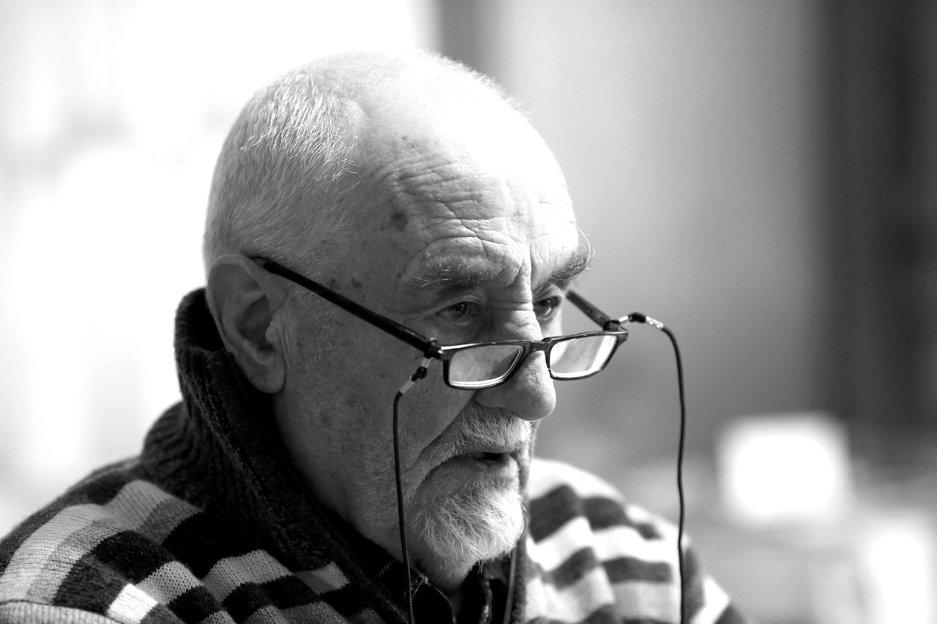 Bewegungsspiel Senioren - 20 Bewegungsspiele Senioren!